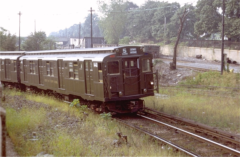 (242k, 1024x668)<br><b>Country:</b> United States<br><b>City:</b> New York<br><b>System:</b> New York City Transit<br><b>Line:</b> BMT Culver Line<br><b>Location:</b> 9th Avenue (Lower Level) <br><b>Route:</b> Culver Shuttle<br><b>Car:</b> R-7 (American Car & Foundry, 1937)  1440 <br><b>Photo by:</b> Doug Grotjahn<br><b>Collection of:</b> Joe Testagrose<br><b>Date:</b> 9/4/1971<br><b>Viewed (this week/total):</b> 5 / 10800