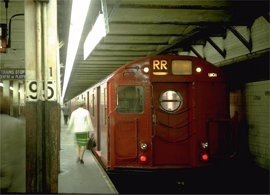 (168k, 1024x741)<br><b>Country:</b> United States<br><b>City:</b> New York<br><b>System:</b> New York City Transit<br><b>Line:</b> BMT 4th Avenue<br><b>Location:</b> 95th Street/Fort Hamilton <br><b>Route:</b> RR<br><b>Car:</b> R-16 (American Car & Foundry, 1955) 6368 <br><b>Photo by:</b> Doug Grotjahn<br><b>Collection of:</b> Joe Testagrose<br><b>Date:</b> 8/28/1968<br><b>Viewed (this week/total):</b> 5 / 9141