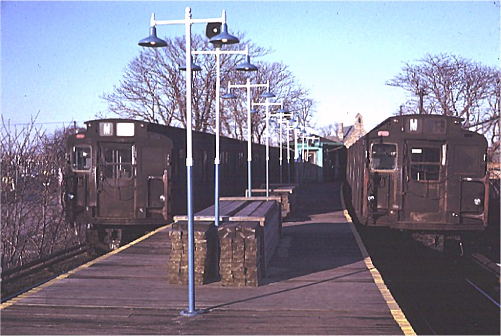 (175k, 1024x687)<br><b>Country:</b> United States<br><b>City:</b> New York<br><b>System:</b> New York City Transit<br><b>Line:</b> BMT Myrtle Avenue Line<br><b>Location:</b> Metropolitan Avenue <br><b>Route:</b> M<br><b>Car:</b> R-7 (Pullman, 1937)  1509 <br><b>Photo by:</b> Doug Grotjahn<br><b>Collection of:</b> Joe Testagrose<br><b>Date:</b> 1/23/1971<br><b>Notes:</b> With R6 1671<br><b>Viewed (this week/total):</b> 3 / 3694