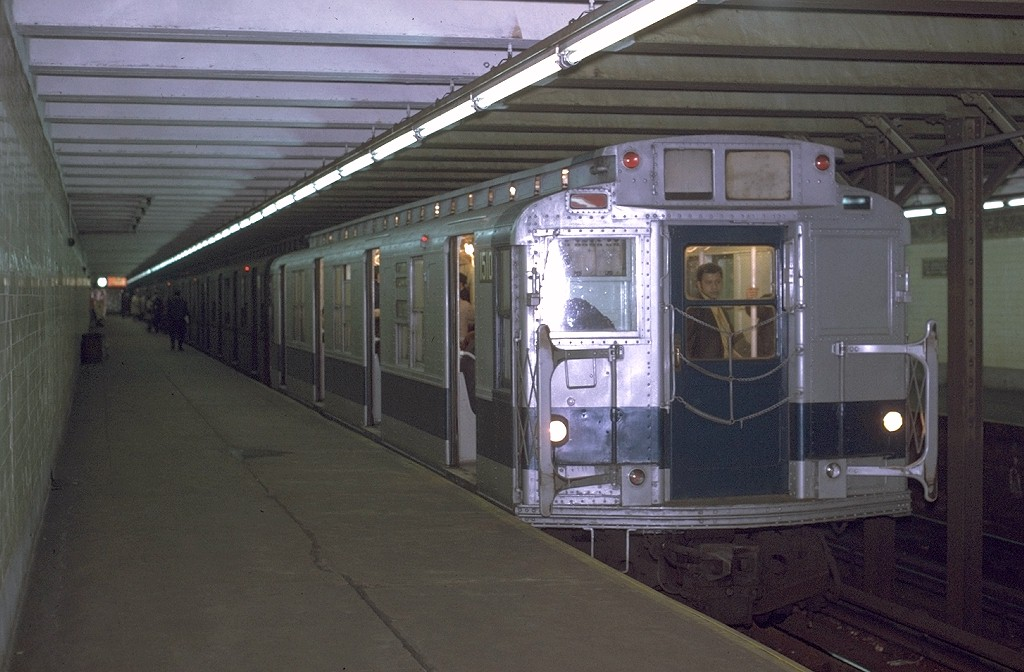 (172k, 1024x672)<br><b>Country:</b> United States<br><b>City:</b> New York<br><b>System:</b> New York City Transit<br><b>Line:</b> BMT Canarsie Line<br><b>Location:</b> 3rd Avenue <br><b>Route:</b> L<br><b>Car:</b> R-7 (Pullman, 1937)  1510 <br><b>Collection of:</b> Joe Testagrose<br><b>Date:</b> 11/9/1970<br><b>Viewed (this week/total):</b> 2 / 5454