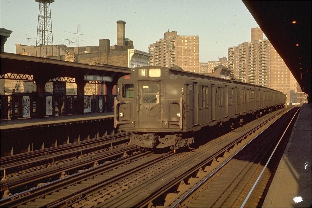 (244k, 1024x682)<br><b>Country:</b> United States<br><b>City:</b> New York<br><b>System:</b> New York City Transit<br><b>Line:</b> BMT Nassau Street/Jamaica Line<br><b>Location:</b> Hewes Street <br><b>Route:</b> M<br><b>Car:</b> R-7 (Pullman, 1937)  1527 <br><b>Photo by:</b> Joe Testagrose<br><b>Date:</b> 6/2/1970<br><b>Viewed (this week/total):</b> 3 / 2991
