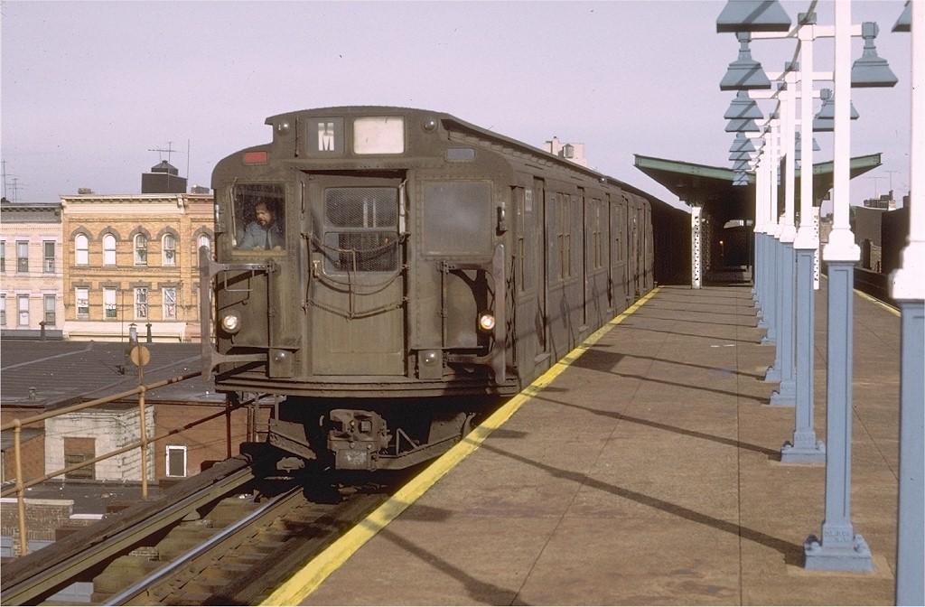 (188k, 1024x672)<br><b>Country:</b> United States<br><b>City:</b> New York<br><b>System:</b> New York City Transit<br><b>Line:</b> BMT Myrtle Avenue Line<br><b>Location:</b> Seneca Avenue <br><b>Route:</b> M<br><b>Car:</b> R-7 (Pullman, 1937)  1533 <br><b>Photo by:</b> Doug Grotjahn<br><b>Collection of:</b> Joe Testagrose<br><b>Date:</b> 12/29/1972<br><b>Viewed (this week/total):</b> 0 / 3874
