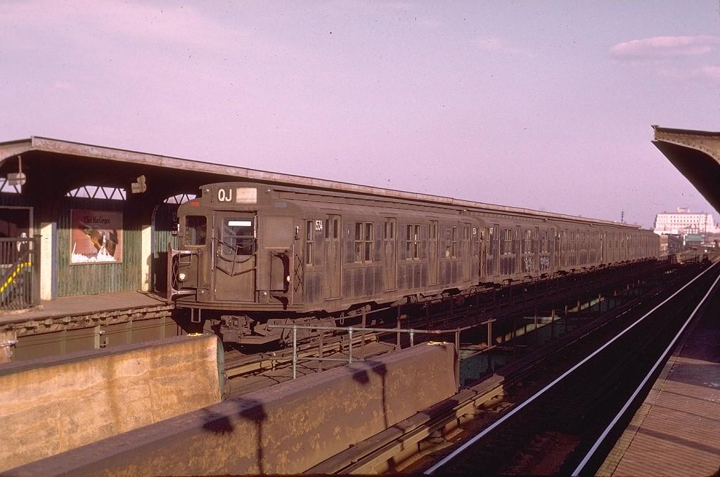 (202k, 1024x679)<br><b>Country:</b> United States<br><b>City:</b> New York<br><b>System:</b> New York City Transit<br><b>Line:</b> BMT Nassau Street/Jamaica Line<br><b>Location:</b> 121st Street <br><b>Route:</b> QJ<br><b>Car:</b> R-7 (Pullman, 1937)  1534 <br><b>Photo by:</b> Joe Testagrose<br><b>Date:</b> 12/3/1972<br><b>Viewed (this week/total):</b> 0 / 5138
