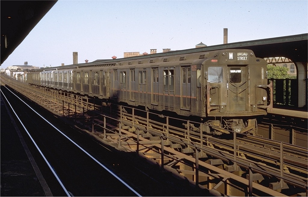 (190k, 1024x654)<br><b>Country:</b> United States<br><b>City:</b> New York<br><b>System:</b> New York City Transit<br><b>Line:</b> BMT Myrtle Avenue Line<br><b>Location:</b> Knickerbocker Avenue <br><b>Route:</b> M<br><b>Car:</b> R-7A (Pullman, 1938)  1575 <br><b>Photo by:</b> Doug Grotjahn<br><b>Collection of:</b> Joe Testagrose<br><b>Date:</b> 8/5/1971<br><b>Notes:</b> R10 prototype<br><b>Viewed (this week/total):</b> 4 / 6655