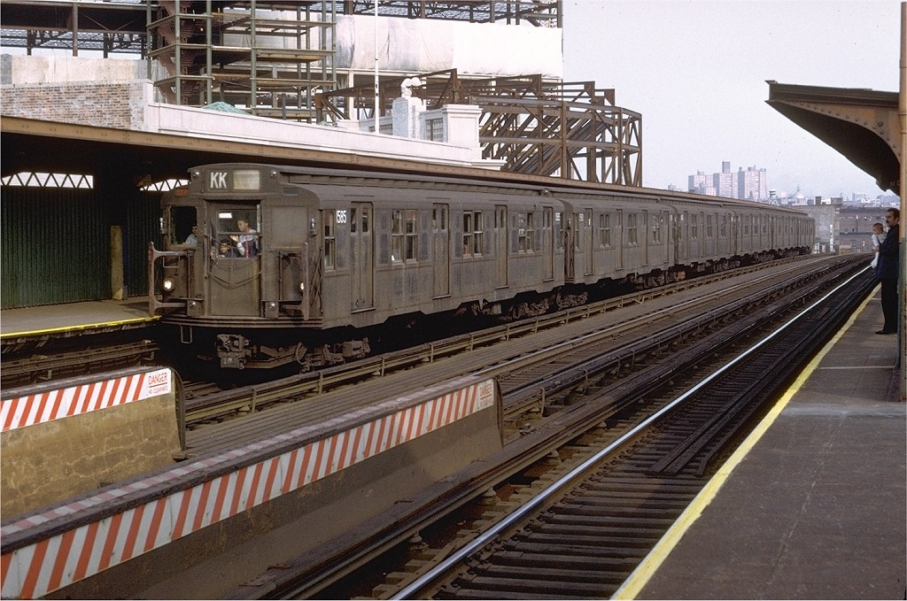 (236k, 1024x679)<br><b>Country:</b> United States<br><b>City:</b> New York<br><b>System:</b> New York City Transit<br><b>Line:</b> BMT Nassau Street/Jamaica Line<br><b>Location:</b> Flushing Avenue <br><b>Route:</b> KK<br><b>Car:</b> R-7A (Pullman, 1938)  1585 <br><b>Photo by:</b> Doug Grotjahn<br><b>Collection of:</b> Joe Testagrose<br><b>Date:</b> 7/10/1972<br><b>Viewed (this week/total):</b> 1 / 4272