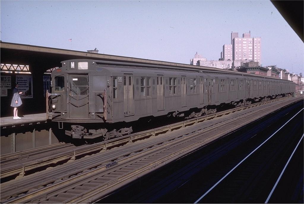 (198k, 1024x686)<br><b>Country:</b> United States<br><b>City:</b> New York<br><b>System:</b> New York City Transit<br><b>Line:</b> BMT Nassau Street/Jamaica Line<br><b>Location:</b> Hewes Street <br><b>Route:</b> M<br><b>Car:</b> R-7A (Pullman, 1938)  1585 <br><b>Collection of:</b> Joe Testagrose<br><b>Date:</b> 5/27/1969<br><b>Viewed (this week/total):</b> 2 / 2563
