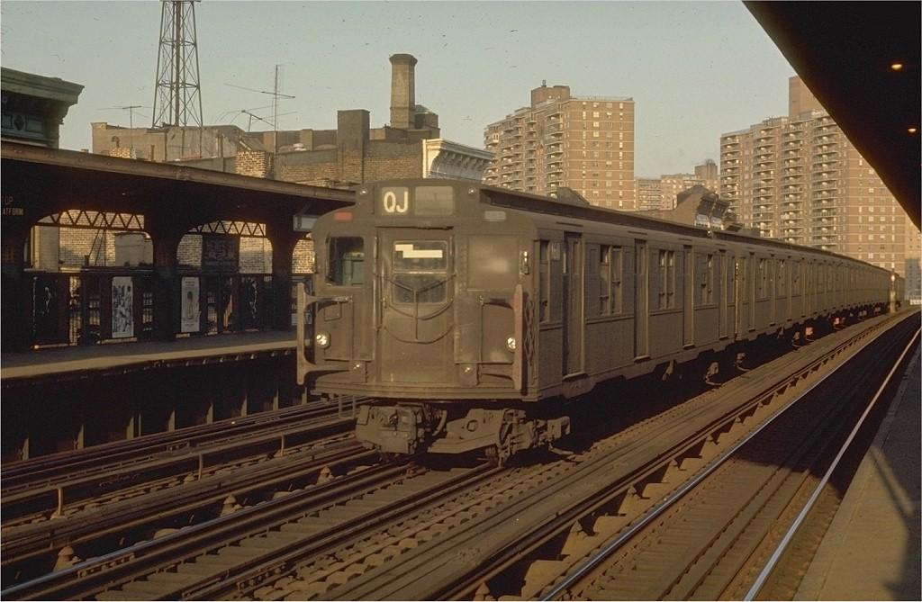 (189k, 1024x669)<br><b>Country:</b> United States<br><b>City:</b> New York<br><b>System:</b> New York City Transit<br><b>Line:</b> BMT Nassau Street/Jamaica Line<br><b>Location:</b> Hewes Street <br><b>Route:</b> QJ<br><b>Car:</b> R-7A (American Car & Foundry, 1938)  1611 <br><b>Photo by:</b> Joe Testagrose<br><b>Date:</b> 6/2/1970<br><b>Viewed (this week/total):</b> 0 / 2951