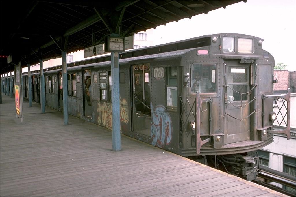 (174k, 1024x683)<br><b>Country:</b> United States<br><b>City:</b> New York<br><b>System:</b> New York City Transit<br><b>Line:</b> BMT Nassau Street/Jamaica Line<br><b>Location:</b> 168th Street (Demolished) <br><b>Route:</b> J<br><b>Car:</b> R-9 (Pressed Steel, 1940)  1726 <br><b>Photo by:</b> Doug Grotjahn<br><b>Collection of:</b> Joe Testagrose<br><b>Date:</b> 8/10/1975<br><b>Viewed (this week/total):</b> 5 / 6375