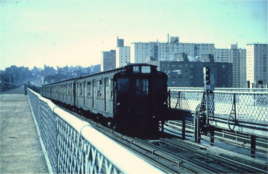 (157k, 1024x665)<br><b>Country:</b> United States<br><b>City:</b> New York<br><b>System:</b> New York City Transit<br><b>Line:</b> BMT Nassau Street/Jamaica Line<br><b>Location:</b> Williamsburg Bridge<br><b>Route:</b> KK<br><b>Car:</b> R-1/R-9 Series   <br><b>Collection of:</b> Joe Testagrose<br><b>Viewed (this week/total):</b> 1 / 3131