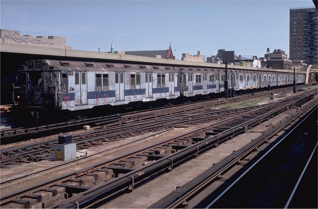 (233k, 1024x675)<br><b>Country:</b> United States<br><b>City:</b> New York<br><b>System:</b> New York City Transit<br><b>Line:</b> IND Crosstown Line<br><b>Location:</b> 4th Avenue <br><b>Route:</b> F<br><b>Car:</b> R-10 (American Car & Foundry, 1948) 2978 (ex-1831)<br><b>Collection of:</b> Joe Testagrose<br><b>Date:</b> 8/10/1980<br><b>Viewed (this week/total):</b> 2 / 4922