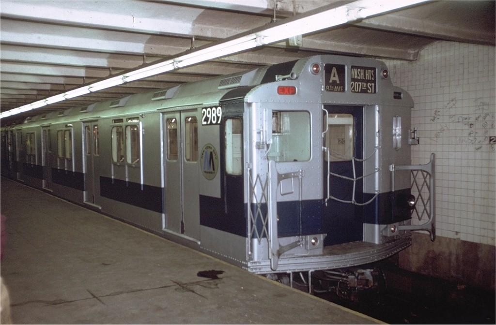 (163k, 1024x672)<br><b>Country:</b> United States<br><b>City:</b> New York<br><b>System:</b> New York City Transit<br><b>Line:</b> IND 8th Avenue Line<br><b>Location:</b> 207th Street <br><b>Route:</b> A<br><b>Car:</b> R-10 (American Car & Foundry, 1948) 2989 (ex-1842)<br><b>Collection of:</b> Joe Testagrose<br><b>Date:</b> 12/29/1971<br><b>Viewed (this week/total):</b> 1 / 5539