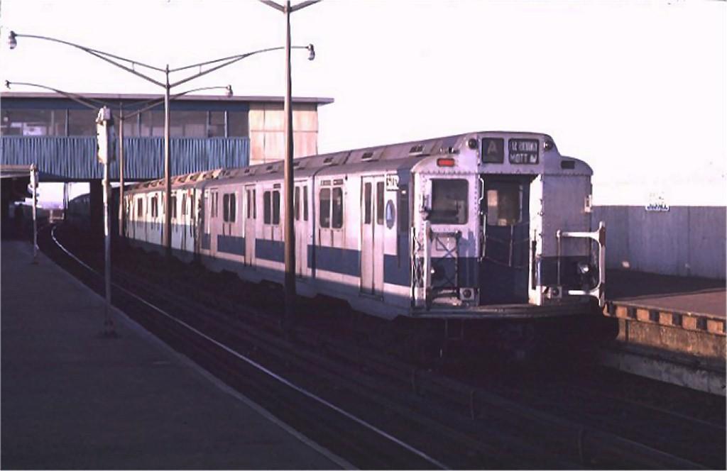 (104k, 1024x664)<br><b>Country:</b> United States<br><b>City:</b> New York<br><b>System:</b> New York City Transit<br><b>Line:</b> IND Rockaway<br><b>Location:</b> Broad Channel <br><b>Route:</b> A<br><b>Car:</b> R-10 (American Car & Foundry, 1948) 3032 <br><b>Photo by:</b> Joe Testagrose<br><b>Date:</b> 1/31/1970<br><b>Viewed (this week/total):</b> 4 / 3859