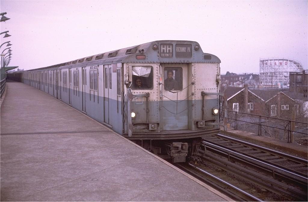 (175k, 1024x672)<br><b>Country:</b> United States<br><b>City:</b> New York<br><b>System:</b> New York City Transit<br><b>Line:</b> IND Rockaway<br><b>Location:</b> Beach 98th Street/Playland <br><b>Route:</b> HH<br><b>Car:</b> R-10 (American Car & Foundry, 1948) 3040 <br><b>Photo by:</b> Doug Grotjahn<br><b>Collection of:</b> Joe Testagrose<br><b>Date:</b> 3/1/1970<br><b>Viewed (this week/total):</b> 0 / 4839