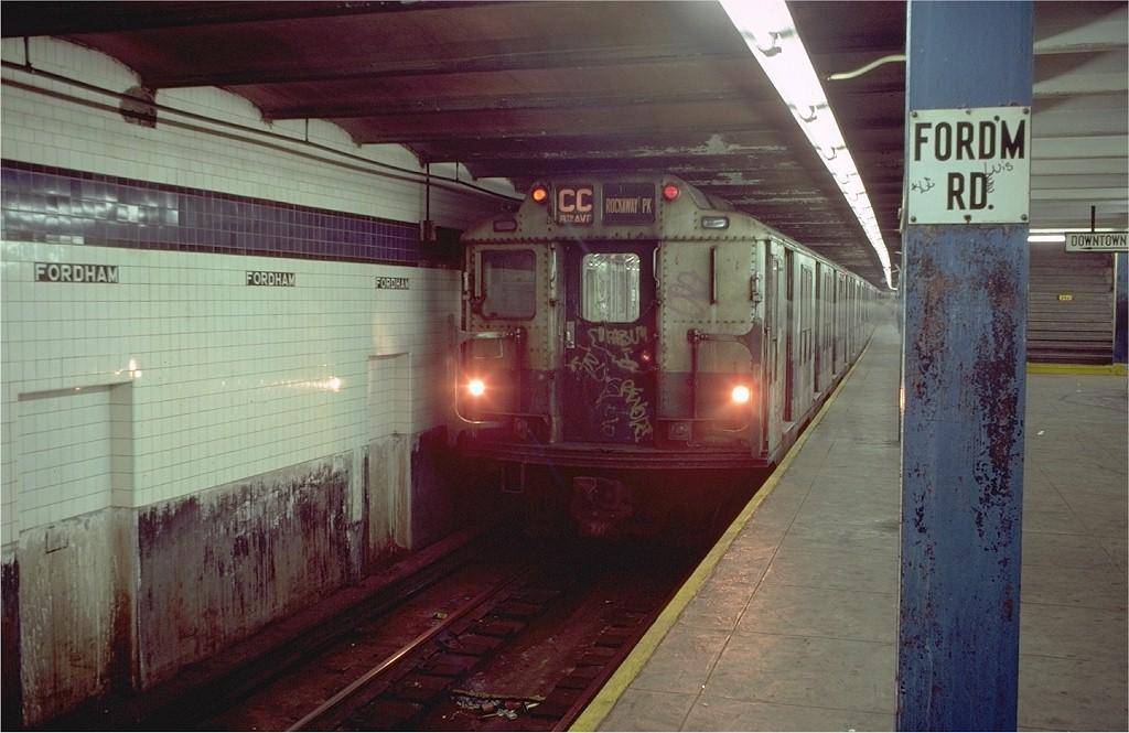 (180k, 1024x665)<br><b>Country:</b> United States<br><b>City:</b> New York<br><b>System:</b> New York City Transit<br><b>Line:</b> IND Concourse Line<br><b>Location:</b> Fordham Road <br><b>Route:</b> CC<br><b>Car:</b> R-10 (American Car & Foundry, 1948) 3096 <br><b>Photo by:</b> Doug Grotjahn<br><b>Collection of:</b> Joe Testagrose<br><b>Date:</b> 11/4/1980<br><b>Viewed (this week/total):</b> 0 / 5276