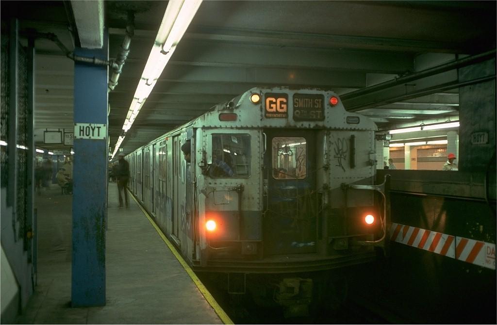(143k, 1024x670)<br><b>Country:</b> United States<br><b>City:</b> New York<br><b>System:</b> New York City Transit<br><b>Line:</b> IND Fulton Street Line<br><b>Location:</b> Hoyt-Schermerhorn Street <br><b>Route:</b> GG<br><b>Car:</b> R-10 (American Car & Foundry, 1948) 3199 <br><b>Collection of:</b> Joe Testagrose<br><b>Date:</b> 11/14/1977<br><b>Viewed (this week/total):</b> 2 / 7332