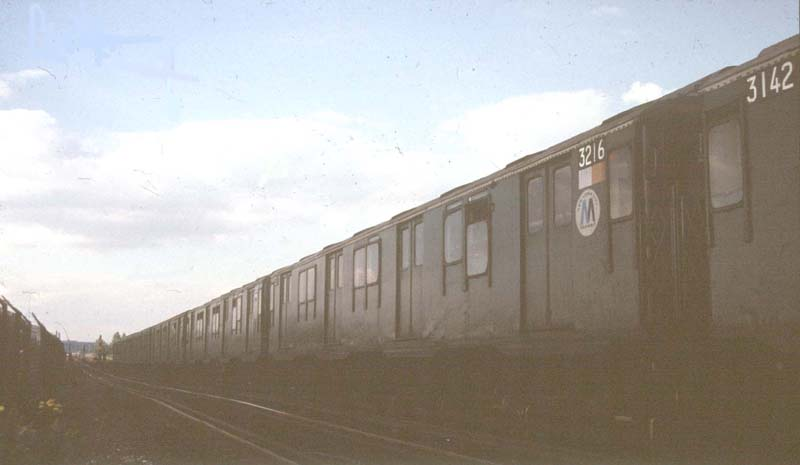 (30k, 800x465)<br><b>Country:</b> United States<br><b>City:</b> New York<br><b>System:</b> New York City Transit<br><b>Line:</b> IND Rockaway<br><b>Location:</b> Jamaica Bay Crossing<br><b>Car:</b> R-10 (American Car & Foundry, 1948) 3216 <br><b>Photo by:</b> Harold<br><b>Date:</b> 6/1988<br><b>Viewed (this week/total):</b> 2 / 3878