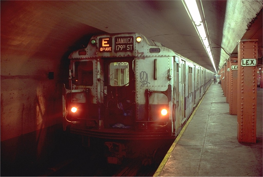(202k, 1024x690)<br><b>Country:</b> United States<br><b>City:</b> New York<br><b>System:</b> New York City Transit<br><b>Line:</b> IND Queens Boulevard Line<br><b>Location:</b> Lexington Avenue-53rd Street <br><b>Route:</b> E<br><b>Car:</b> R-10 (American Car & Foundry, 1948) 3242 <br><b>Photo by:</b> Doug Grotjahn<br><b>Collection of:</b> Joe Testagrose<br><b>Date:</b> 8/11/1980<br><b>Viewed (this week/total):</b> 3 / 6013