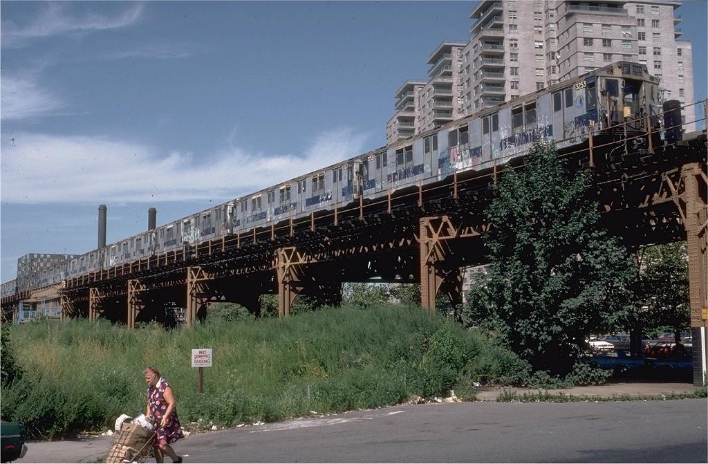(241k, 1024x671)<br><b>Country:</b> United States<br><b>City:</b> New York<br><b>System:</b> New York City Transit<br><b>Line:</b> BMT Culver Line<br><b>Location:</b> Neptune Avenue <br><b>Route:</b> F<br><b>Car:</b> R-10 (American Car & Foundry, 1948) 3253 <br><b>Photo by:</b> Doug Grotjahn<br><b>Collection of:</b> Joe Testagrose<br><b>Date:</b> 8/17/1980<br><b>Viewed (this week/total):</b> 0 / 7550