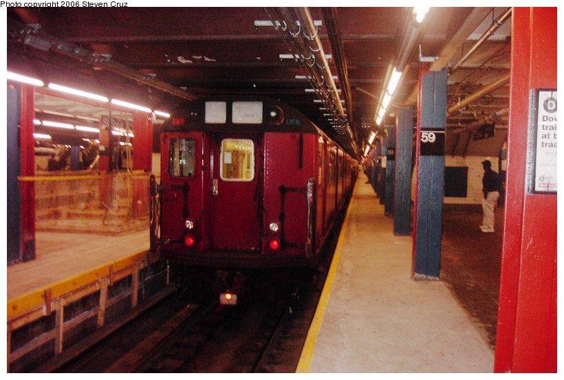 (95k, 820x553)<br><b>Country:</b> United States<br><b>City:</b> New York<br><b>System:</b> New York City Transit<br><b>Line:</b> IND 8th Avenue Line<br><b>Location:</b> 59th Street/Columbus Circle <br><b>Route:</b> Work Service<br><b>Car:</b> R-33 World's Fair (St. Louis, 1963-64) 9317 <br><b>Photo by:</b> Steven Cruz<br><b>Date:</b> 9/3/2006<br><b>Viewed (this week/total):</b> 0 / 4500