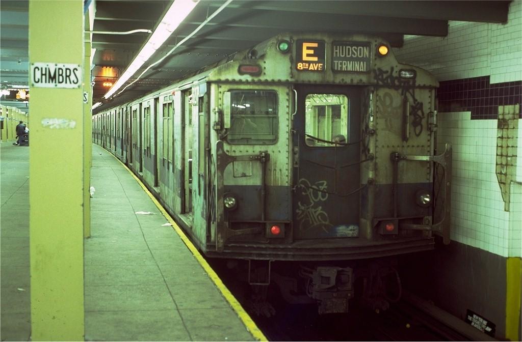 (164k, 1024x672)<br><b>Country:</b> United States<br><b>City:</b> New York<br><b>System:</b> New York City Transit<br><b>Line:</b> IND 8th Avenue Line<br><b>Location:</b> Chambers Street/World Trade Center <br><b>Route:</b> E<br><b>Car:</b> R-10 (American Car & Foundry, 1948) 3271 <br><b>Photo by:</b> Doug Grotjahn<br><b>Collection of:</b> Joe Testagrose<br><b>Date:</b> 10/18/1980<br><b>Viewed (this week/total):</b> 2 / 5558