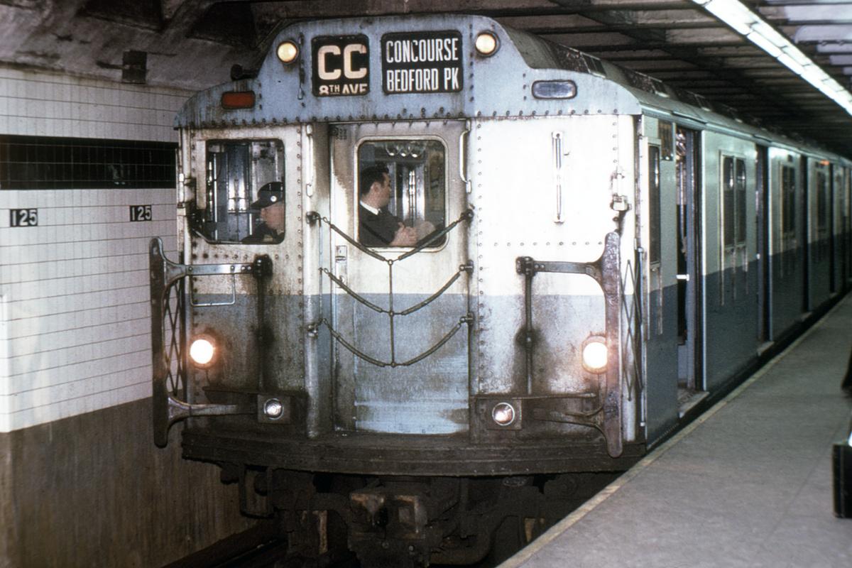 (341k, 1024x683)<br><b>Country:</b> United States<br><b>City:</b> New York<br><b>System:</b> New York City Transit<br><b>Line:</b> IND 8th Avenue Line<br><b>Location:</b> 125th Street <br><b>Route:</b> CC<br><b>Car:</b> R-10 (American Car & Foundry, 1948) 3331 <br><b>Photo by:</b> Joe Testagrose<br><b>Collection of:</b> David Pirmann<br><b>Date:</b> 11/23/1970<br><b>Viewed (this week/total):</b> 0 / 5668