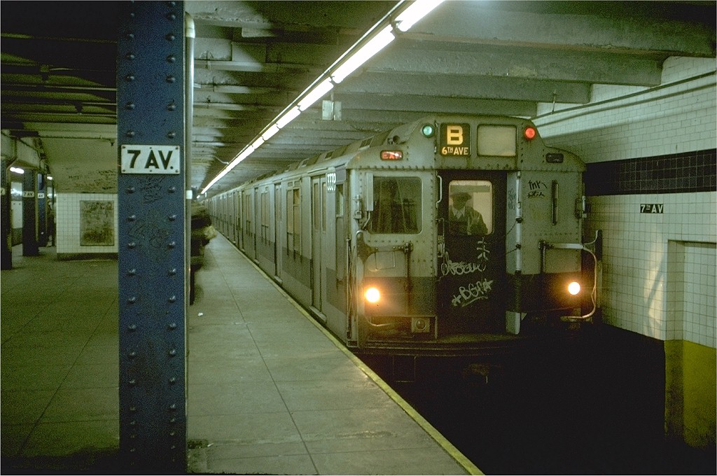 (206k, 1024x680)<br><b>Country:</b> United States<br><b>City:</b> New York<br><b>System:</b> New York City Transit<br><b>Line:</b> IND Queens Boulevard Line<br><b>Location:</b> 7th Avenue/53rd Street <br><b>Route:</b> B<br><b>Car:</b> R-10 (American Car & Foundry, 1948) 3339 <br><b>Photo by:</b> Doug Grotjahn<br><b>Collection of:</b> Joe Testagrose<br><b>Date:</b> 11/29/1974<br><b>Viewed (this week/total):</b> 5 / 6860
