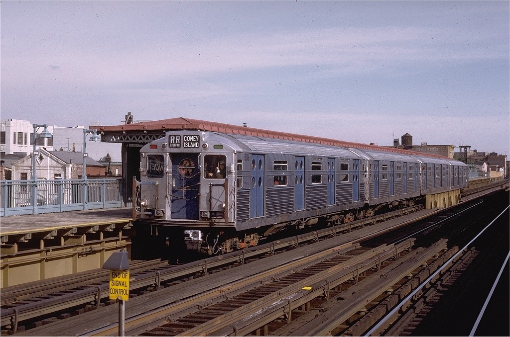 (232k, 1024x678)<br><b>Country:</b> United States<br><b>City:</b> New York<br><b>System:</b> New York City Transit<br><b>Line:</b> BMT Astoria Line<br><b>Location:</b> 39th/Beebe Aves. <br><b>Route:</b> Fan Trip<br><b>Car:</b> R-11 (Budd, 1949) 8016 <br><b>Photo by:</b> Joe Testagrose<br><b>Date:</b> 10/21/1972<br><b>Viewed (this week/total):</b> 1 / 6385