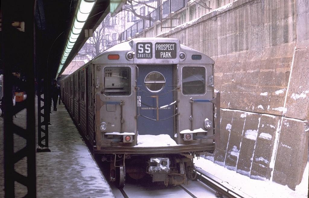 (208k, 1024x656)<br><b>Country:</b> United States<br><b>City:</b> New York<br><b>System:</b> New York City Transit<br><b>Line:</b> BMT Franklin<br><b>Location:</b> Prospect Park <br><b>Route:</b> Franklin Shuttle<br><b>Car:</b> R-11 (Budd, 1949) 8016 <br><b>Photo by:</b> Joe Testagrose<br><b>Date:</b> 12/27/1969<br><b>Viewed (this week/total):</b> 5 / 4835