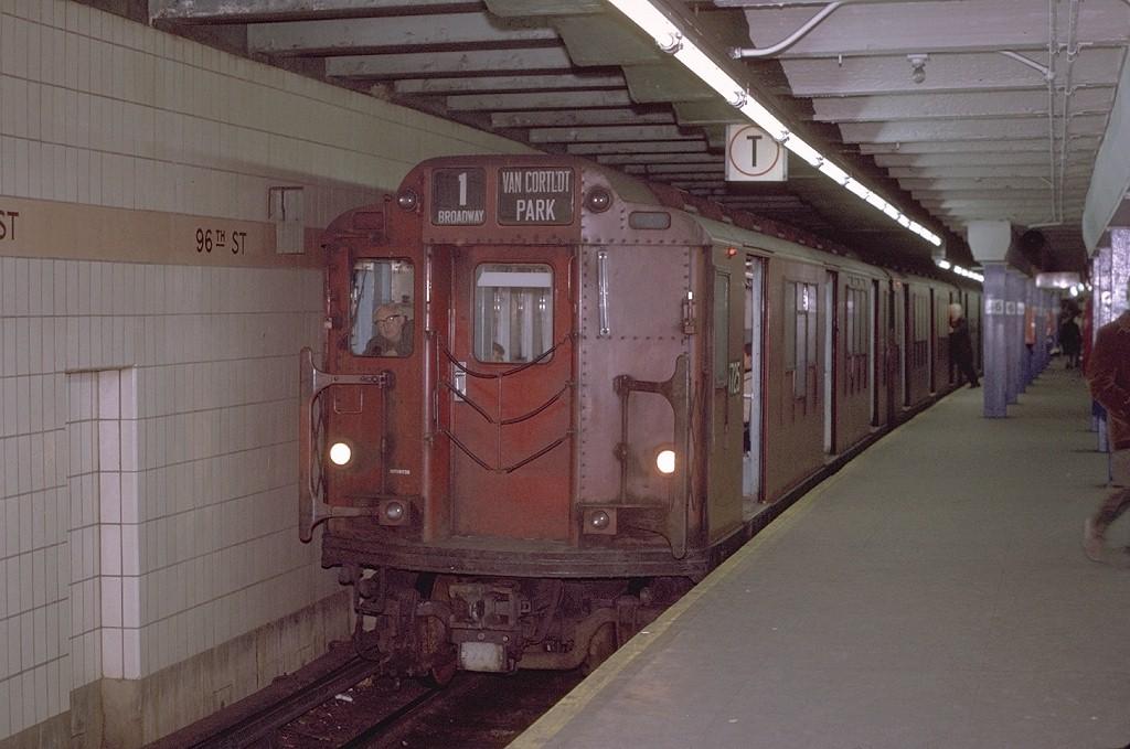 (173k, 1024x679)<br><b>Country:</b> United States<br><b>City:</b> New York<br><b>System:</b> New York City Transit<br><b>Line:</b> IRT West Side Line<br><b>Location:</b> 96th Street <br><b>Route:</b> 1<br><b>Car:</b> R-12 (American Car & Foundry, 1948) 5725 <br><b>Photo by:</b> Joe Testagrose<br><b>Date:</b> 11/21/1970<br><b>Viewed (this week/total):</b> 0 / 3645