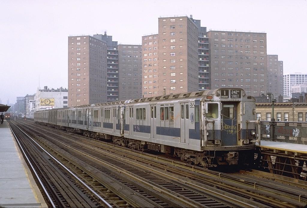 (235k, 1024x695)<br><b>Country:</b> United States<br><b>City:</b> New York<br><b>System:</b> New York City Transit<br><b>Line:</b> IRT West Side Line<br><b>Location:</b> 125th Street <br><b>Route:</b> 1<br><b>Car:</b> R-12 (American Car & Foundry, 1948) 5732 <br><b>Photo by:</b> Joe Testagrose<br><b>Date:</b> 5/17/1972<br><b>Viewed (this week/total):</b> 0 / 3608