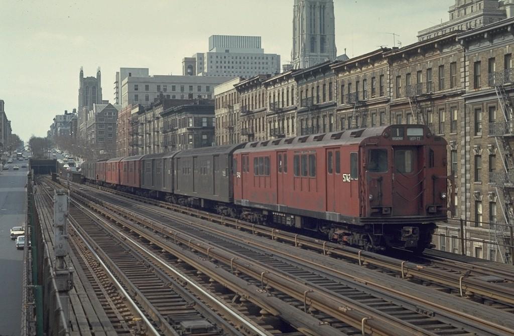 (200k, 1024x670)<br><b>Country:</b> United States<br><b>City:</b> New York<br><b>System:</b> New York City Transit<br><b>Line:</b> IRT West Side Line<br><b>Location:</b> 125th Street <br><b>Route:</b> 1<br><b>Car:</b> R-12 (American Car & Foundry, 1948) 5742 <br><b>Photo by:</b> Joe Testagrose<br><b>Date:</b> 4/4/1970<br><b>Viewed (this week/total):</b> 1 / 3682