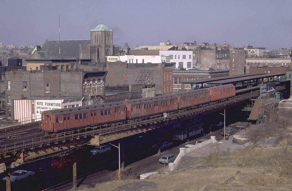 (214k, 1024x669)<br><b>Country:</b> United States<br><b>City:</b> New York<br><b>System:</b> New York City Transit<br><b>Line:</b> 3rd Avenue El<br><b>Location:</b> Tremont Avenue <br><b>Route:</b> 8<br><b>Car:</b> R-12 (American Car & Foundry, 1948) 5762 <br><b>Photo by:</b> Joe Testagrose<br><b>Date:</b> 11/29/1969<br><b>Viewed (this week/total):</b> 0 / 8770
