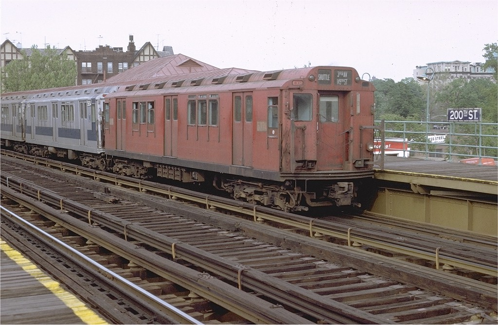 (213k, 1024x668)<br><b>Country:</b> United States<br><b>City:</b> New York<br><b>System:</b> New York City Transit<br><b>Line:</b> 3rd Avenue El<br><b>Location:</b> 200th Street <br><b>Route:</b> 8<br><b>Car:</b> R-12 (American Car & Foundry, 1948) 5774 <br><b>Photo by:</b> Joe Testagrose<br><b>Date:</b> 5/29/1971<br><b>Viewed (this week/total):</b> 1 / 3359