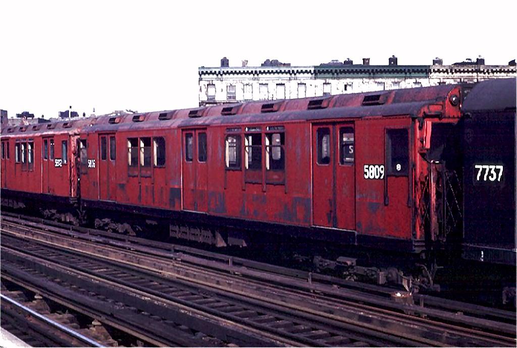 (176k, 1024x690)<br><b>Country:</b> United States<br><b>City:</b> New York<br><b>System:</b> New York City Transit<br><b>Line:</b> IRT White Plains Road Line<br><b>Location:</b> Simpson Street <br><b>Route:</b> 5<br><b>Car:</b> R-14 (American Car & Foundry, 1949) 5809 <br><b>Photo by:</b> Joe Testagrose<br><b>Date:</b> 5/9/1970<br><b>Viewed (this week/total):</b> 2 / 3134