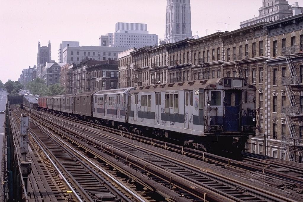 (261k, 1024x683)<br><b>Country:</b> United States<br><b>City:</b> New York<br><b>System:</b> New York City Transit<br><b>Line:</b> IRT West Side Line<br><b>Location:</b> 125th Street <br><b>Route:</b> 1<br><b>Car:</b> R-14 (American Car & Foundry, 1949) 5895 <br><b>Photo by:</b> Joe Testagrose<br><b>Date:</b> 6/4/1972<br><b>Viewed (this week/total):</b> 4 / 6053