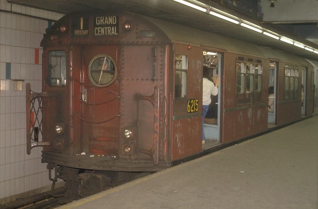 (141k, 1024x674)<br><b>Country:</b> United States<br><b>City:</b> New York<br><b>System:</b> New York City Transit<br><b>Line:</b> IRT Times Square-Grand Central Shuttle<br><b>Location:</b> Grand Central <br><b>Car:</b> R-15 (American Car & Foundry, 1950) 6215 <br><b>Photo by:</b> Joe Testagrose<br><b>Date:</b> 5/30/1972<br><b>Viewed (this week/total):</b> 1 / 4257