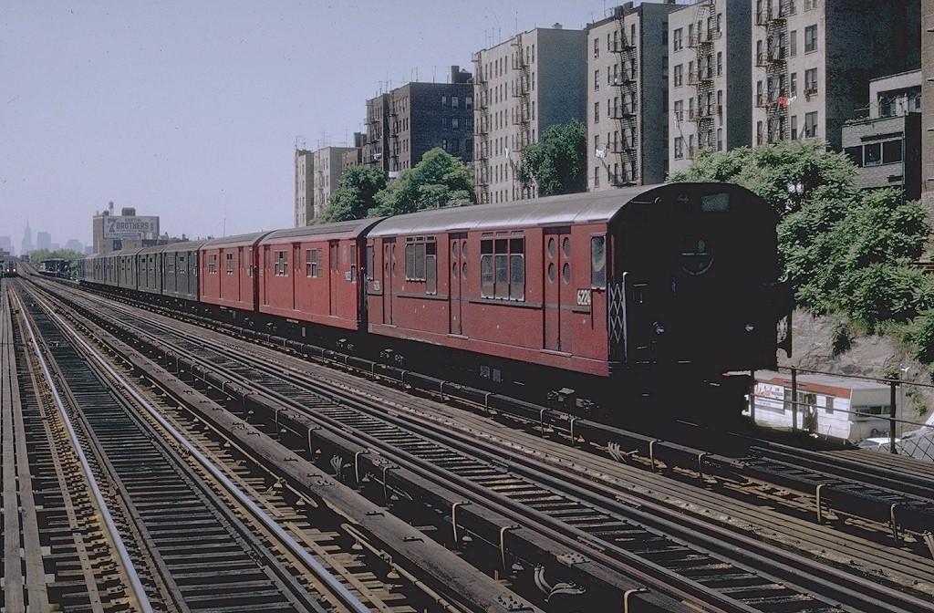 (256k, 1024x672)<br><b>Country:</b> United States<br><b>City:</b> New York<br><b>System:</b> New York City Transit<br><b>Line:</b> IRT Woodlawn Line<br><b>Location:</b> 176th Street <br><b>Route:</b> 4<br><b>Car:</b> R-15 (American Car & Foundry, 1950) 6224 <br><b>Photo by:</b> Joe Testagrose<br><b>Date:</b> 6/13/1970<br><b>Viewed (this week/total):</b> 7 / 3847