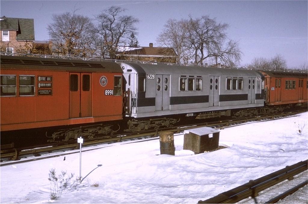 (209k, 1024x679)<br><b>Country:</b> United States<br><b>City:</b> New York<br><b>System:</b> New York City Transit<br><b>Line:</b> IRT Dyre Ave. Line<br><b>Location:</b> Baychester Avenue <br><b>Route:</b> 5<br><b>Car:</b> R-15 (American Car & Foundry, 1950) 6228 <br><b>Photo by:</b> Joe Testagrose<br><b>Date:</b> 1/3/1971<br><b>Viewed (this week/total):</b> 0 / 4418