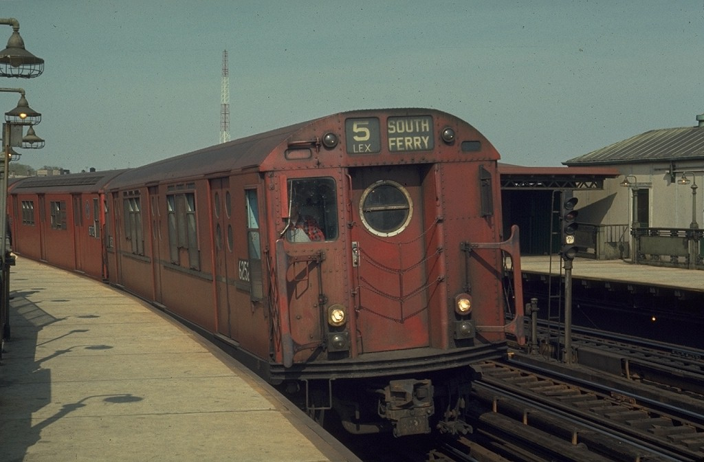 (151k, 1024x672)<br><b>Country:</b> United States<br><b>City:</b> New York<br><b>System:</b> New York City Transit<br><b>Line:</b> IRT White Plains Road Line<br><b>Location:</b> West Farms Sq./East Tremont Ave./177th St. <br><b>Route:</b> 5<br><b>Car:</b> R-15 (American Car & Foundry, 1950) 6252 <br><b>Photo by:</b> Joe Testagrose<br><b>Date:</b> 5/2/1970<br><b>Viewed (this week/total):</b> 3 / 3157