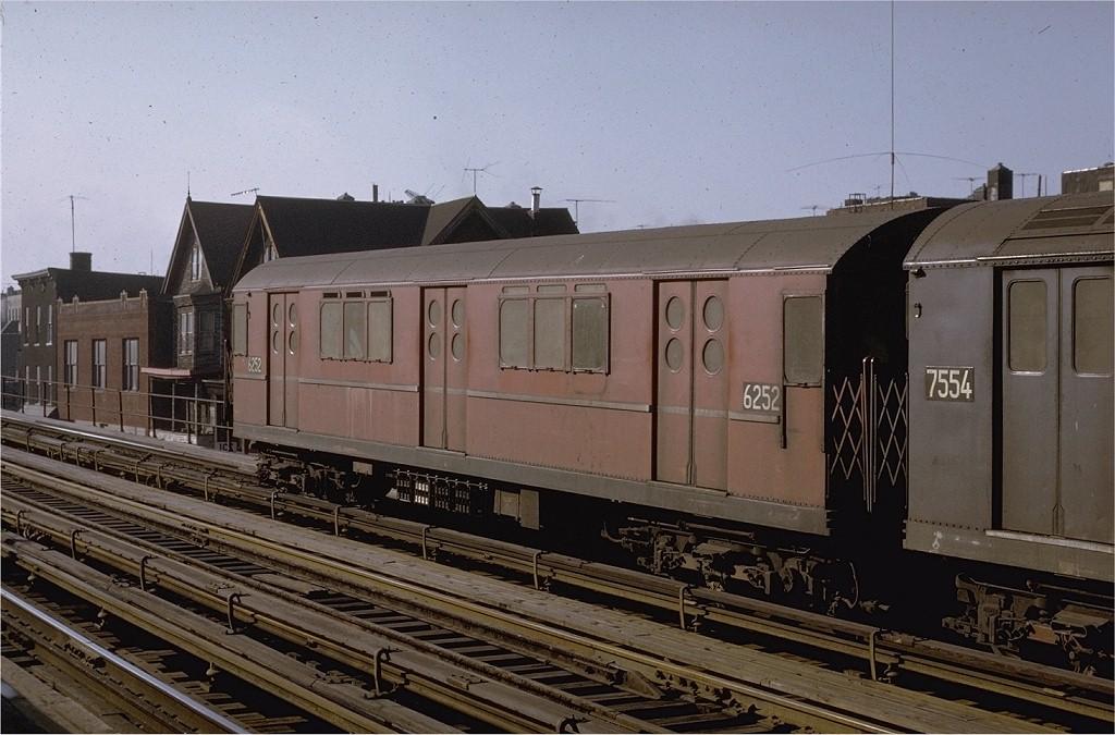 (190k, 1024x675)<br><b>Country:</b> United States<br><b>City:</b> New York<br><b>System:</b> New York City Transit<br><b>Line:</b> IRT White Plains Road Line<br><b>Location:</b> Freeman Street <br><b>Route:</b> 5<br><b>Car:</b> R-15 (American Car & Foundry, 1950) 6252 <br><b>Photo by:</b> Joe Testagrose<br><b>Date:</b> 2/6/1971<br><b>Viewed (this week/total):</b> 0 / 3197
