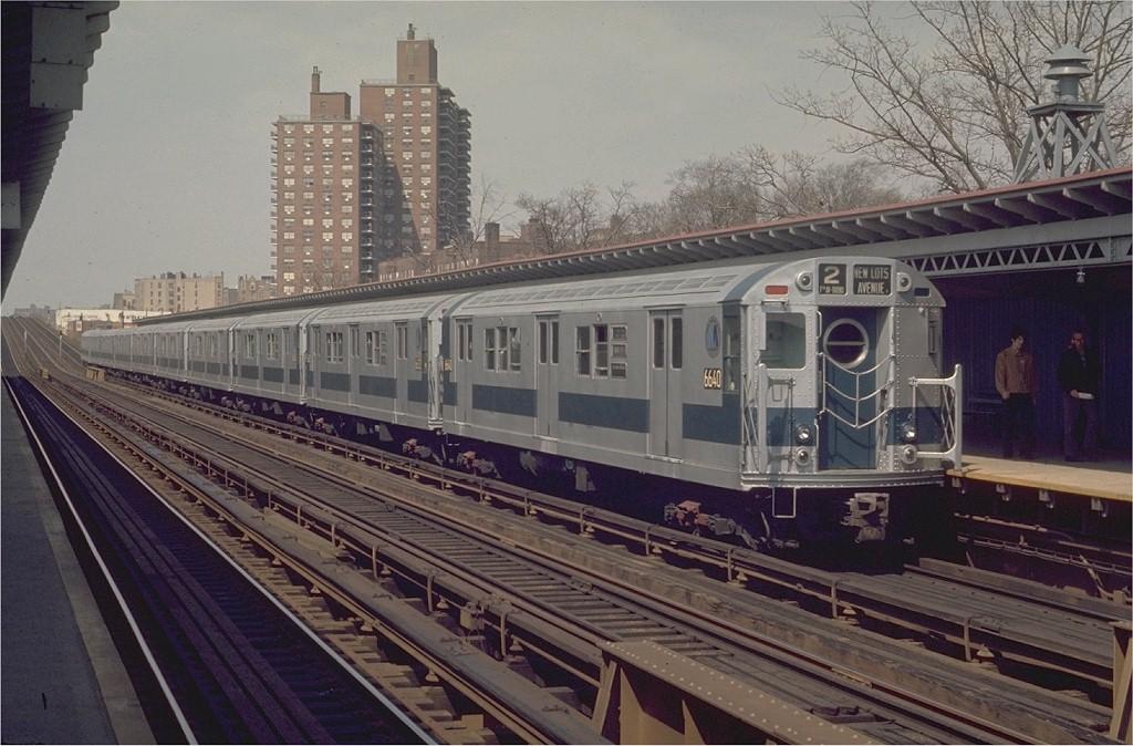 (205k, 1024x674)<br><b>Country:</b> United States<br><b>City:</b> New York<br><b>System:</b> New York City Transit<br><b>Line:</b> IRT White Plains Road Line<br><b>Location:</b> Pelham Parkway <br><b>Route:</b> 2<br><b>Car:</b> R-17 (St. Louis, 1955-56) 6640 <br><b>Photo by:</b> Joe Testagrose<br><b>Date:</b> 4/26/1970<br><b>Viewed (this week/total):</b> 2 / 3222