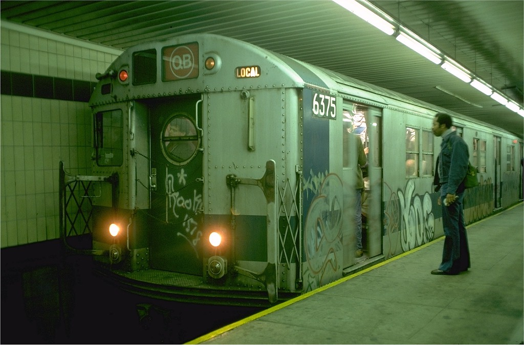 (162k, 1024x675)<br><b>Country:</b> United States<br><b>City:</b> New York<br><b>System:</b> New York City Transit<br><b>Location:</b> DeKalb Avenue<br><b>Route:</b> QB<br><b>Car:</b> R-16 (American Car & Foundry, 1955) 6375 <br><b>Photo by:</b> Doug Grotjahn<br><b>Collection of:</b> Joe Testagrose<br><b>Date:</b> 10/6/1976<br><b>Viewed (this week/total):</b> 5 / 6292