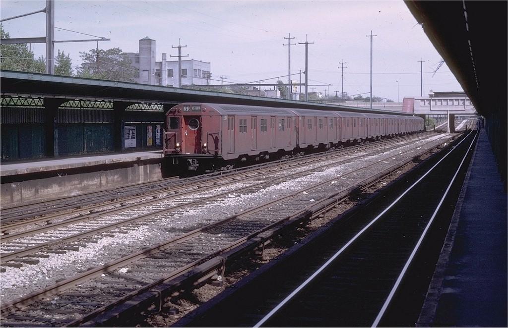 (213k, 1024x662)<br><b>Country:</b> United States<br><b>City:</b> New York<br><b>System:</b> New York City Transit<br><b>Line:</b> BMT Sea Beach Line<br><b>Location:</b> Fort Hamilton Parkway <br><b>Route:</b> RR<br><b>Car:</b> R-16 (American Car & Foundry, 1955) 6389 <br><b>Photo by:</b> Doug Grotjahn<br><b>Collection of:</b> Joe Testagrose<br><b>Date:</b> 5/17/1969<br><b>Viewed (this week/total):</b> 2 / 3985
