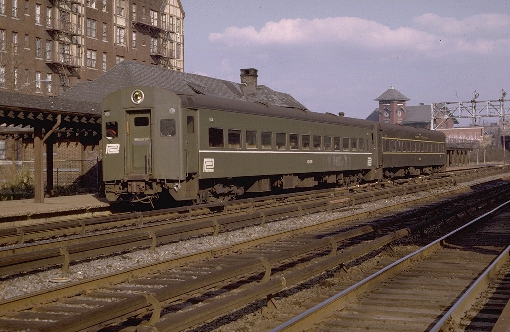 (207k, 1024x666)<br><b>Country:</b> United States<br><b>City:</b> New York<br><b>System:</b> Metro-North Railroad (or Amtrak or Predecessor RR)<br><b>Line:</b> Metro North-Harlem Line<br><b>Location:</b> Botanical Garden <br><b>Car:</b> MNRR ACMU 1058 <br><b>Photo by:</b> Joe Testagrose<br><b>Date:</b> 11/29/1969<br><b>Viewed (this week/total):</b> 3 / 4204