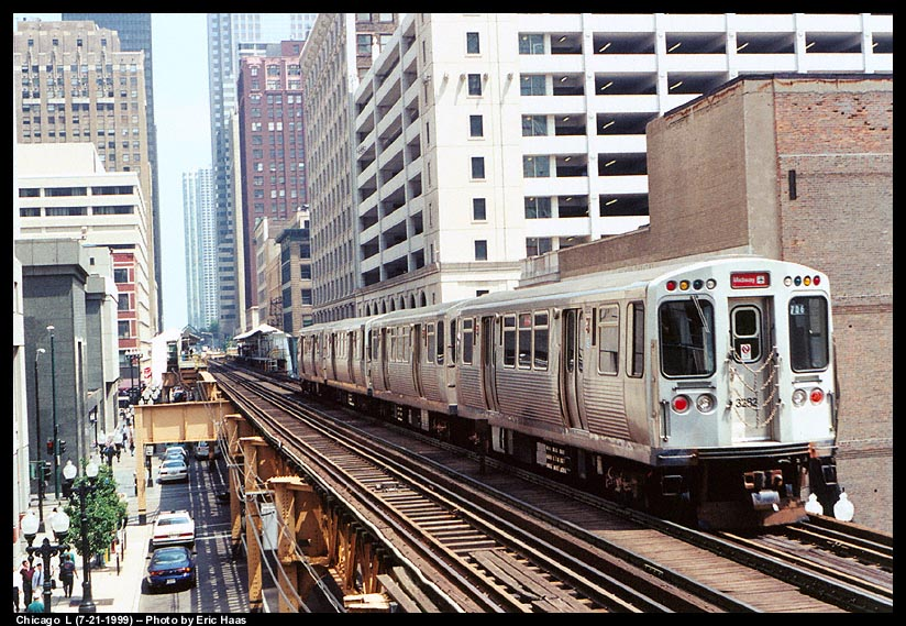(160k, 824x569)<br><b>Country:</b> United States<br><b>City:</b> Chicago, IL<br><b>System:</b> Chicago Transit Authority<br><b>Line:</b> CTA Loop<br><b>Location:</b> Quincy/Wells<br><b>Car:</b> CTA 3200 Series 3282 <br><b>Photo by:</b> Eric Haas<br><b>Date:</b> 7/21/1999<br><b>Viewed (this week/total):</b> 0 / 2256
