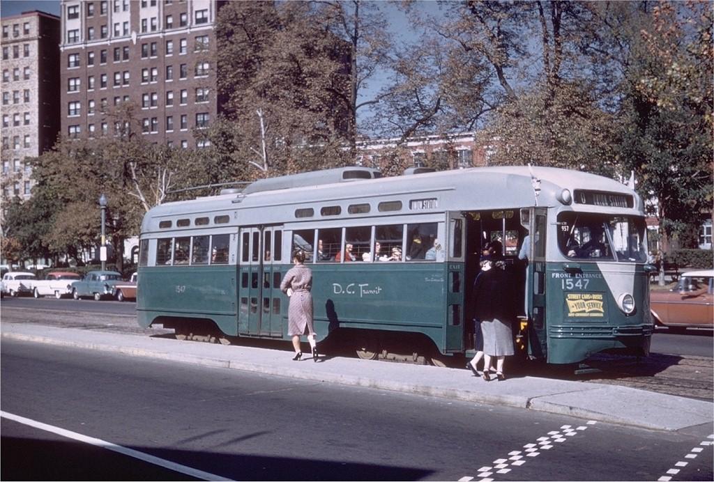 (243k, 1024x692)<br><b>Country:</b> United States<br><b>City:</b> Washington, D.C.<br><b>System:</b> D.C. Transit<br><b>Location:</b> Pennsylvania & 20 Street<br><b>Route:</b> Rt.20<br><b>Car:</b> PCC 1547 <br><b>Collection of:</b> Joe Testagrose<br><b>Date:</b> 10/17/1959<br><b>Viewed (this week/total):</b> 0 / 2381
