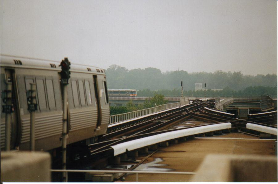 (54k, 900x596)<br><b>Country:</b> United States<br><b>City:</b> Atlanta, GA<br><b>System:</b> MARTA<br><b>Line:</b> North-South Line <br><b>Location:</b> Airport <br><b>Photo by:</b> Bob Pickering<br><b>Date:</b> 10/1999<br><b>Viewed (this week/total):</b> 0 / 3132