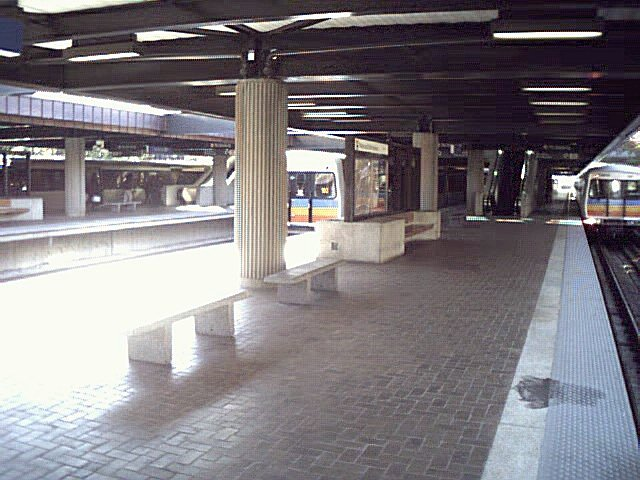 (77k, 640x480)<br><b>Country:</b> United States<br><b>City:</b> Atlanta, GA<br><b>System:</b> MARTA<br><b>Line:</b> East-West Line <br><b>Location:</b> Avondale <br><b>Photo by:</b> Robert Ferreira<br><b>Viewed (this week/total):</b> 0 / 1716