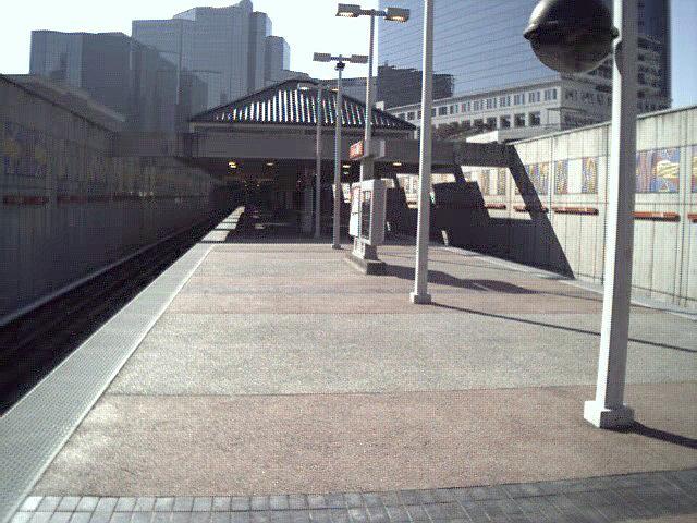 (123k, 640x480)<br><b>Country:</b> United States<br><b>City:</b> Atlanta, GA<br><b>System:</b> MARTA<br><b>Line:</b> North Springs Branch <br><b>Location:</b> Buckhead <br><b>Photo by:</b> Robert Ferreira<br><b>Date:</b> 2000<br><b>Viewed (this week/total):</b> 0 / 2817