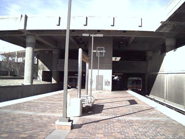(160k, 640x480)<br><b>Country:</b> United States<br><b>City:</b> Atlanta, GA<br><b>System:</b> MARTA<br><b>Line:</b> North-South Line <br><b>Location:</b> College Park <br><b>Photo by:</b> Robert Ferreira<br><b>Date:</b> 1/4/2001<br><b>Viewed (this week/total):</b> 0 / 2074